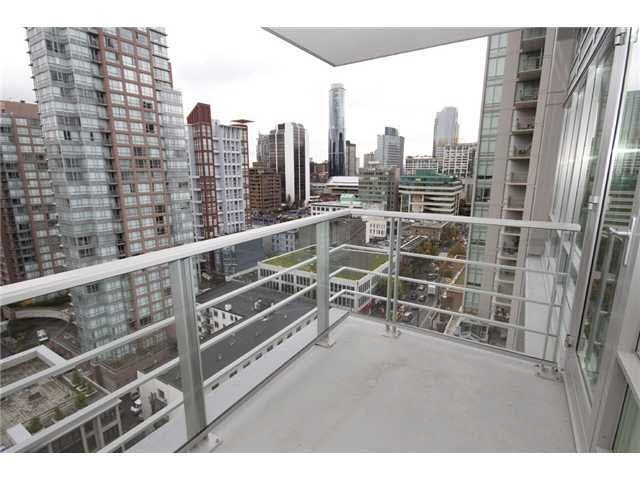 "Photo 6: Photos: 1801 535 SMITHE Street in Vancouver: Downtown VW Condo for sale in ""Dolce"" (Vancouver West)  : MLS®# R2036680"