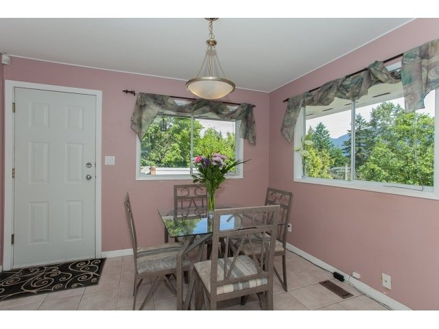 Photo 13: Photos: 34694 DEWDNEY TRUNK Road in Mission: Hatzic House for sale : MLS®# R2073735