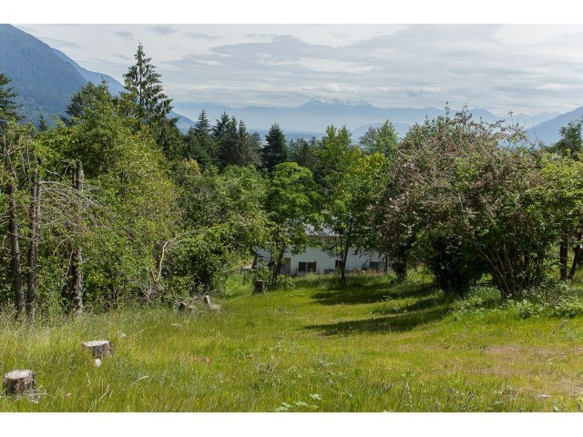 Photo 19: Photos: 34694 DEWDNEY TRUNK Road in Mission: Hatzic House for sale : MLS®# R2073735