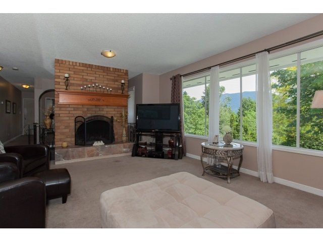 Photo 5: Photos: 34694 DEWDNEY TRUNK Road in Mission: Hatzic House for sale : MLS®# R2073735