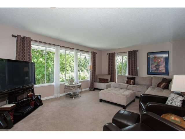 Photo 6: Photos: 34694 DEWDNEY TRUNK Road in Mission: Hatzic House for sale : MLS®# R2073735