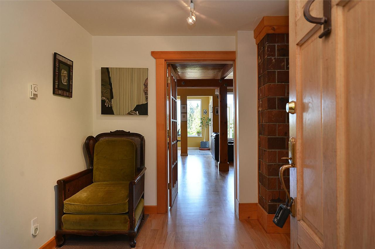 Photo 5: Photos: 1881 GRANDVIEW Road in Gibsons: Gibsons & Area House for sale (Sunshine Coast)  : MLS®# R2101665