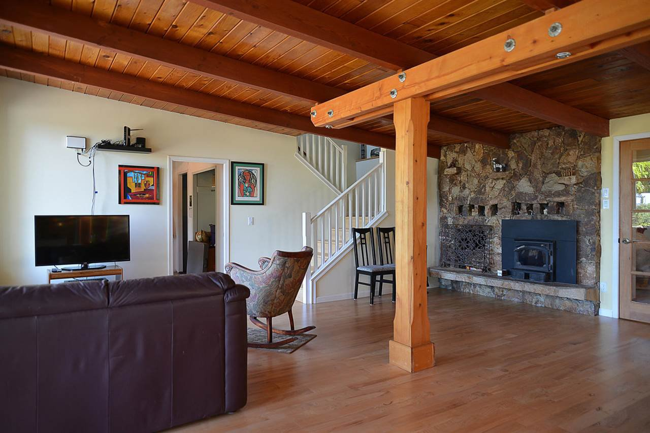 Photo 10: Photos: 1881 GRANDVIEW Road in Gibsons: Gibsons & Area House for sale (Sunshine Coast)  : MLS®# R2101665