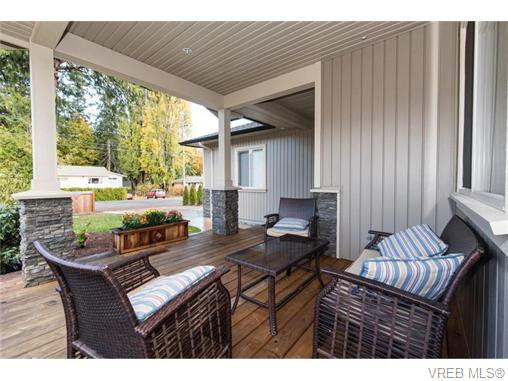 Main Photo: 2566 Selwyn Road in VICTORIA: La Mill Hill Strata Duplex Unit for sale (Langford)  : MLS®# 371342