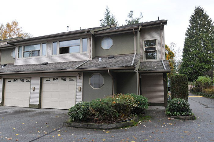 Kichler Station - prime west side location, with a single car garage on this corner unit