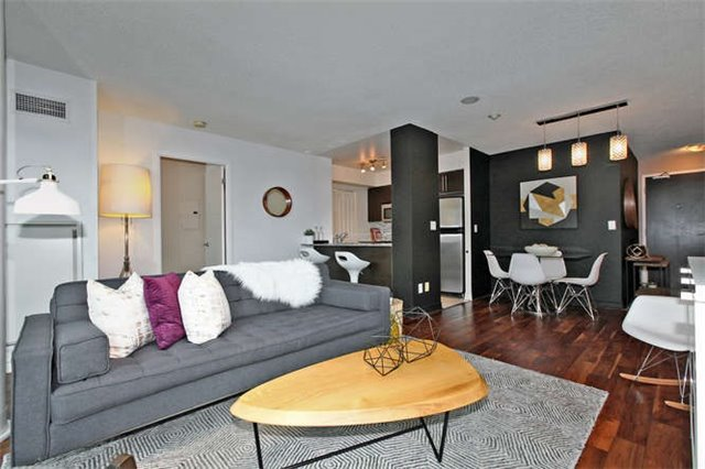 Main Photo: 907 231 Fort York Boulevard in Toronto: Niagara Condo for sale (Toronto C01)  : MLS®# C3672461