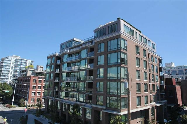 "Photo 1: Photos: 701 1919 WYLIE Street in Vancouver: False Creek Condo for sale in ""Maynard's Yard"" (Vancouver West)  : MLS®# R2141073"