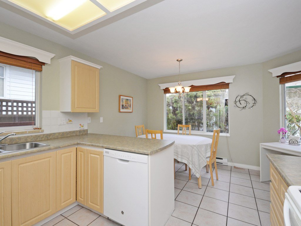 """Photo 5: Photos: 7 5053 47 Avenue in Delta: Ladner Elementary Townhouse for sale in """"PARKSIDE PLACE"""" (Ladner)  : MLS®# R2146280"""