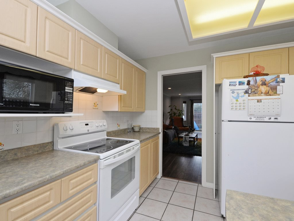 """Photo 4: Photos: 7 5053 47 Avenue in Delta: Ladner Elementary Townhouse for sale in """"PARKSIDE PLACE"""" (Ladner)  : MLS®# R2146280"""