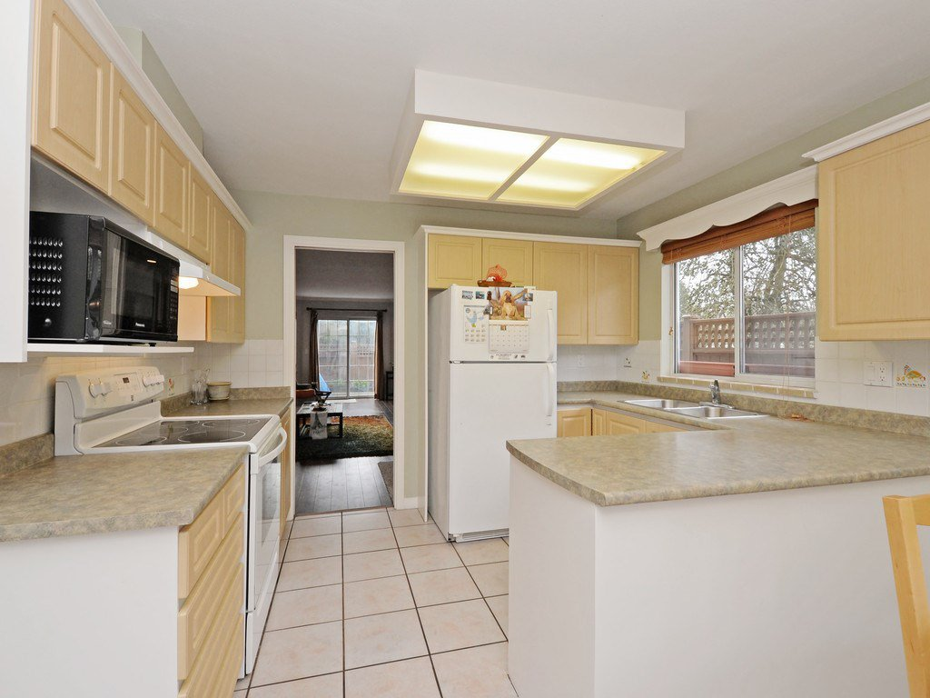 """Photo 3: Photos: 7 5053 47 Avenue in Delta: Ladner Elementary Townhouse for sale in """"PARKSIDE PLACE"""" (Ladner)  : MLS®# R2146280"""