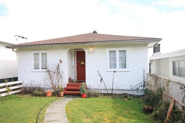 "Main Photo: 130 N HOLDOM Avenue in Burnaby: Capitol Hill BN House for sale in ""CAPITOL HILL"" (Burnaby North)  : MLS®# R2197663"