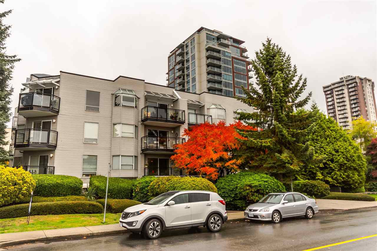 """Main Photo: 201 1550 CHESTERFIELD Avenue in North Vancouver: Central Lonsdale Condo for sale in """"The Chesters"""" : MLS®# R2216824"""