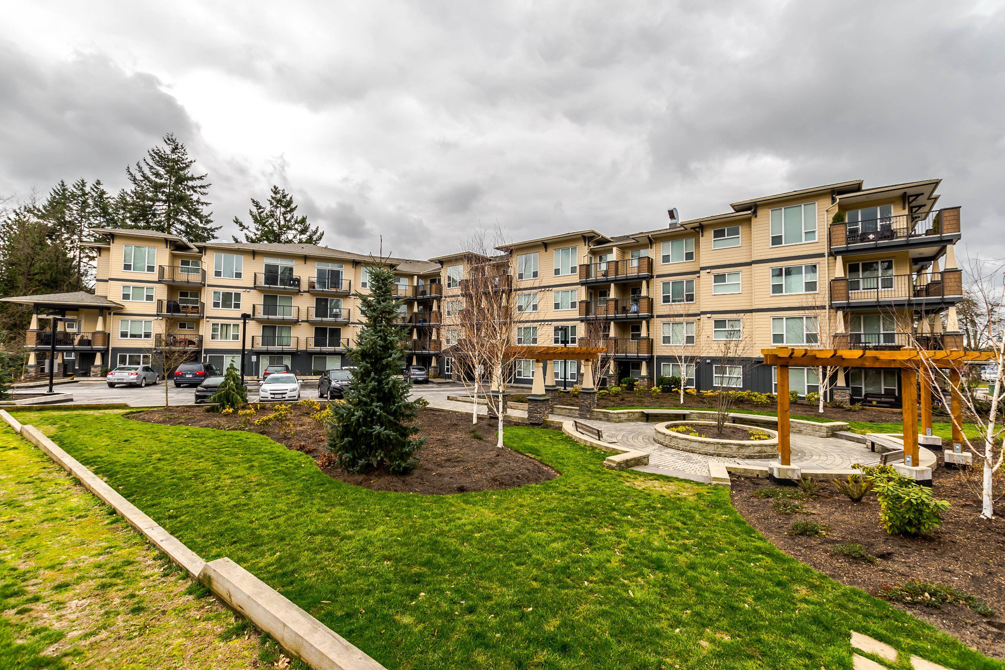 "Main Photo: 406 2565 CAMPBELL Avenue in Abbotsford: Central Abbotsford Condo for sale in ""Abacus Uptown"" : MLS®# R2244837"
