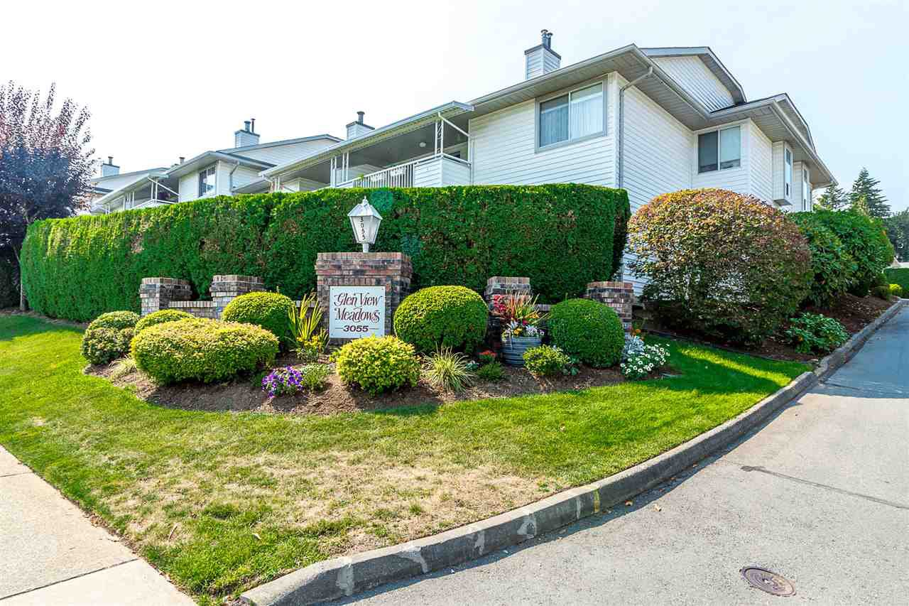 "Main Photo: 27 3055 TRAFALGAR Street in Abbotsford: Central Abbotsford Townhouse for sale in ""Glenview Meadows"" : MLS®# R2301122"