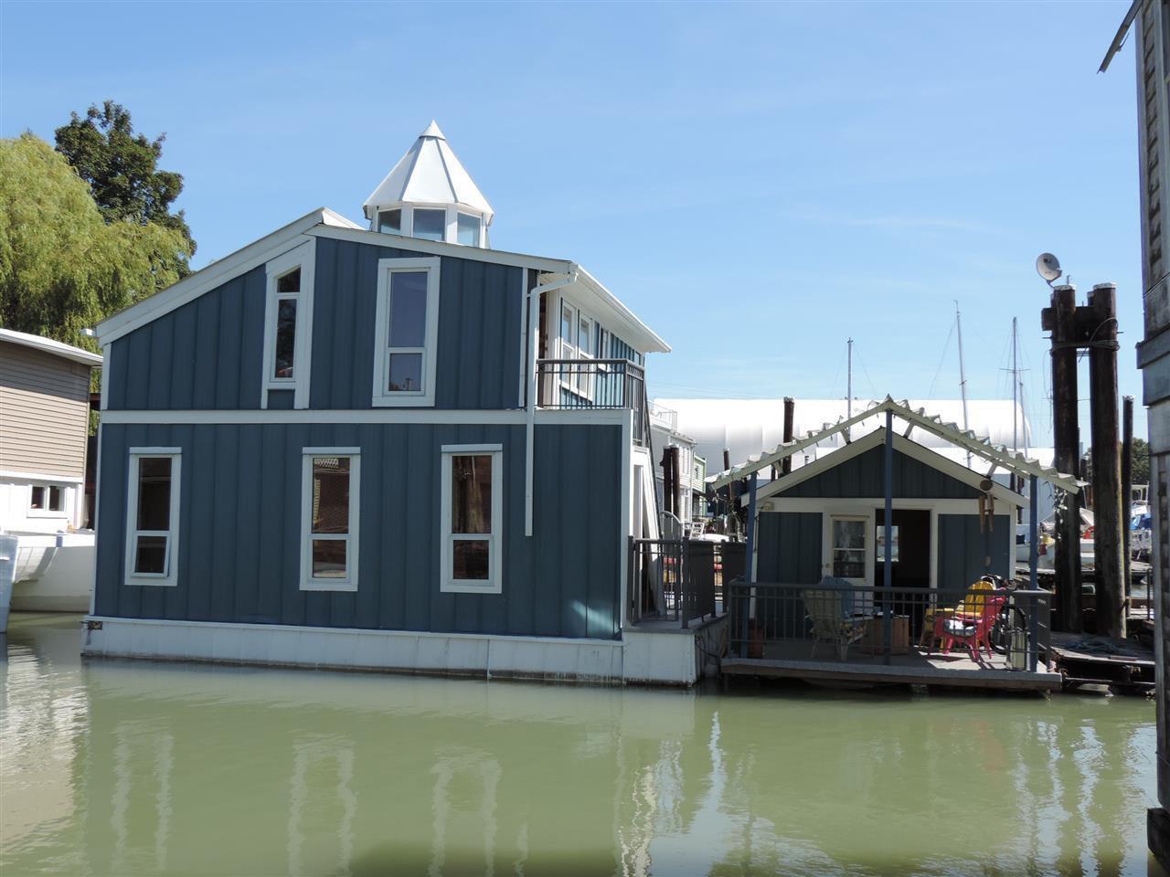 Main Photo: 18 23000 DYKE ROAD in : Hamilton RI House for sale : MLS®# R2168074