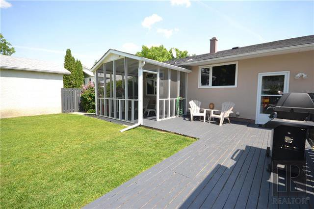 Photo 19: Photos: 37 Cormorant Bay in Winnipeg: Southdale Residential for sale (2H)  : MLS®# 1826557