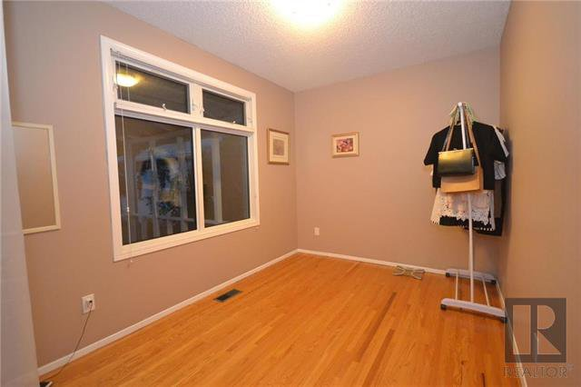 Photo 11: Photos: 37 Cormorant Bay in Winnipeg: Southdale Residential for sale (2H)  : MLS®# 1826557