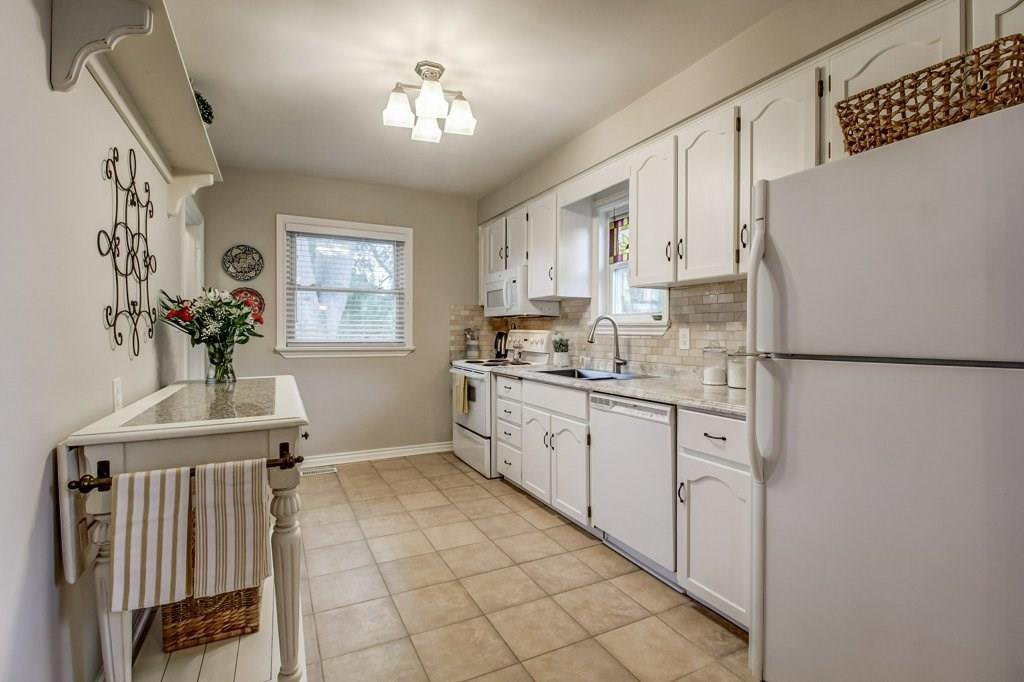 Photo 7: Photos: 2316 PROSPECT Street in Burlington: Residential for sale : MLS®# H4040209