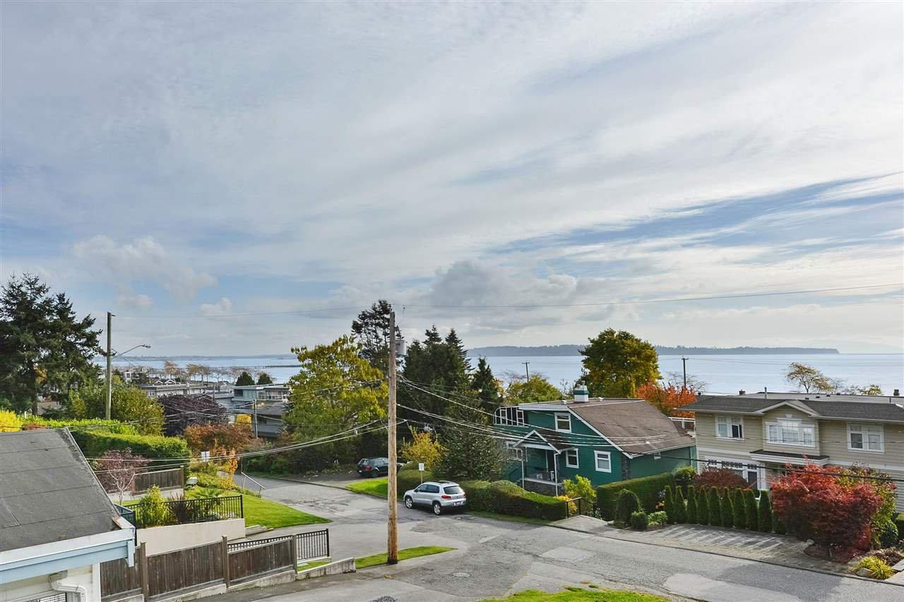 Main Photo: 14659 W BEACH Avenue: White Rock House for sale (South Surrey White Rock)  : MLS®# R2344837