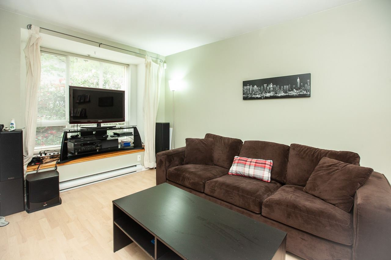 """Photo 5: Photos: 15 6588 SOUTHOAKS Crescent in Burnaby: Highgate Condo for sale in """"TUDOR GROVE"""" (Burnaby South)  : MLS®# R2364864"""