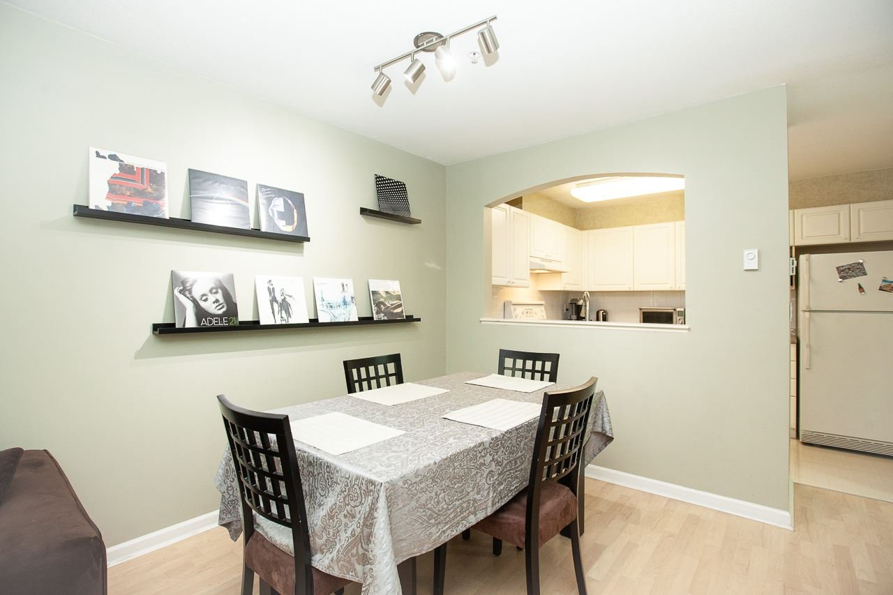 """Photo 8: Photos: 15 6588 SOUTHOAKS Crescent in Burnaby: Highgate Condo for sale in """"TUDOR GROVE"""" (Burnaby South)  : MLS®# R2364864"""