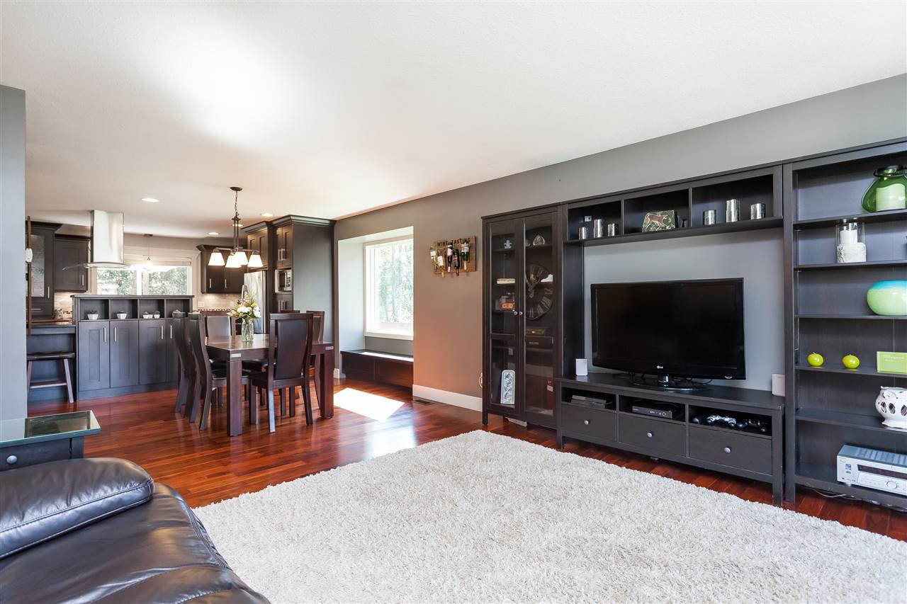 Photo 4: Photos: 33328 LYNN Avenue in Abbotsford: Central Abbotsford House for sale : MLS®# R2365885