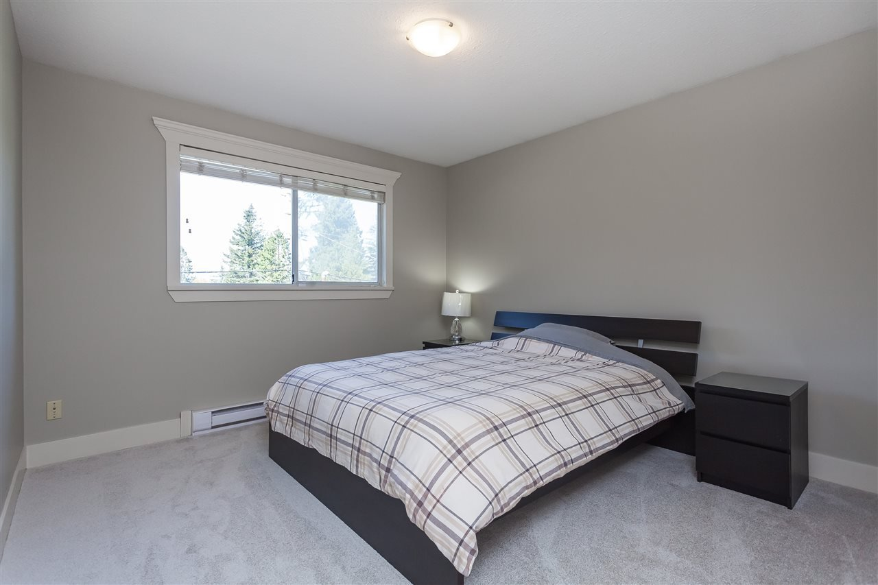 Photo 15: Photos: 33328 LYNN Avenue in Abbotsford: Central Abbotsford House for sale : MLS®# R2365885