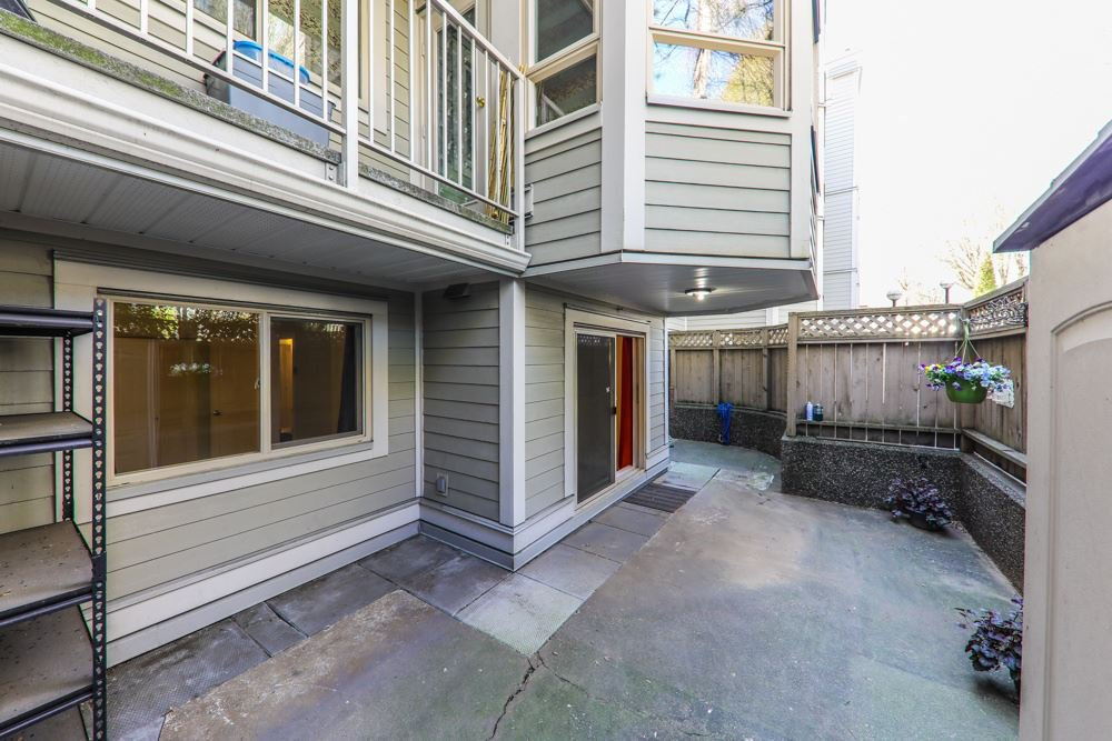 "Photo 13: Photos: 103 1516 E 1ST Avenue in Vancouver: Grandview Woodland Condo for sale in ""WOODLAND VILLA"" (Vancouver East)  : MLS®# R2370531"