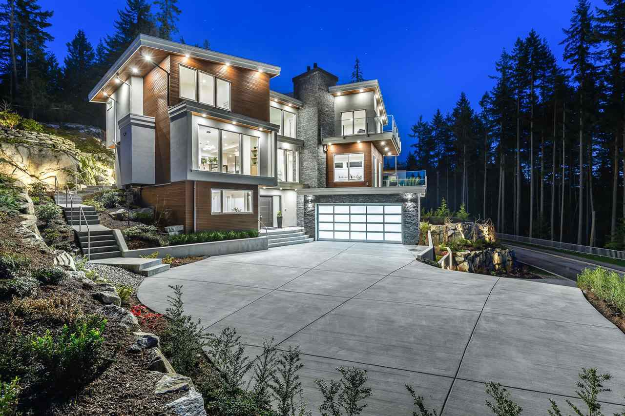Main Photo: 1509 CRYSTAL CREEK Drive in Port Moody: Anmore House for sale : MLS®# R2465945