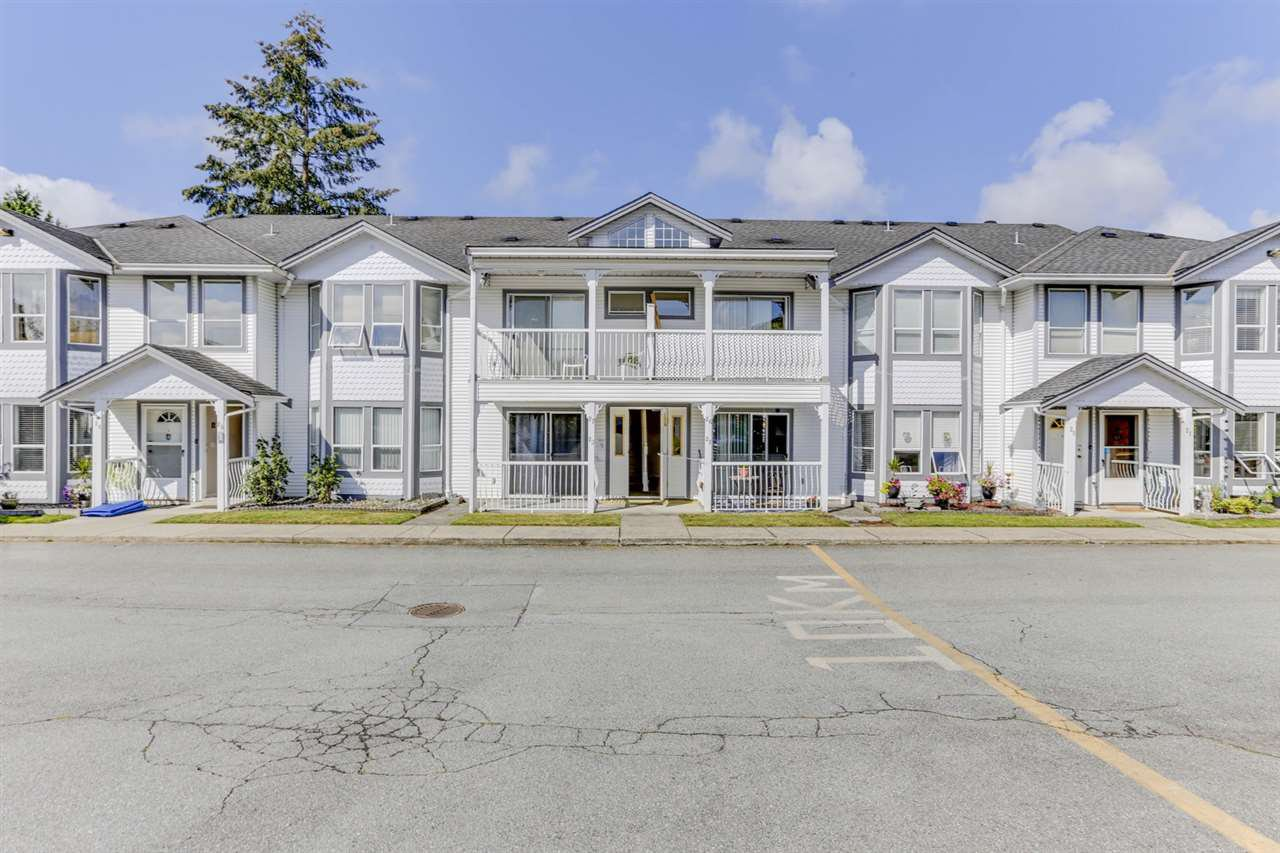 "Main Photo: 27 20554 118 Avenue in Maple Ridge: Southwest Maple Ridge Townhouse for sale in ""Colonial West"" : MLS®# R2490140"