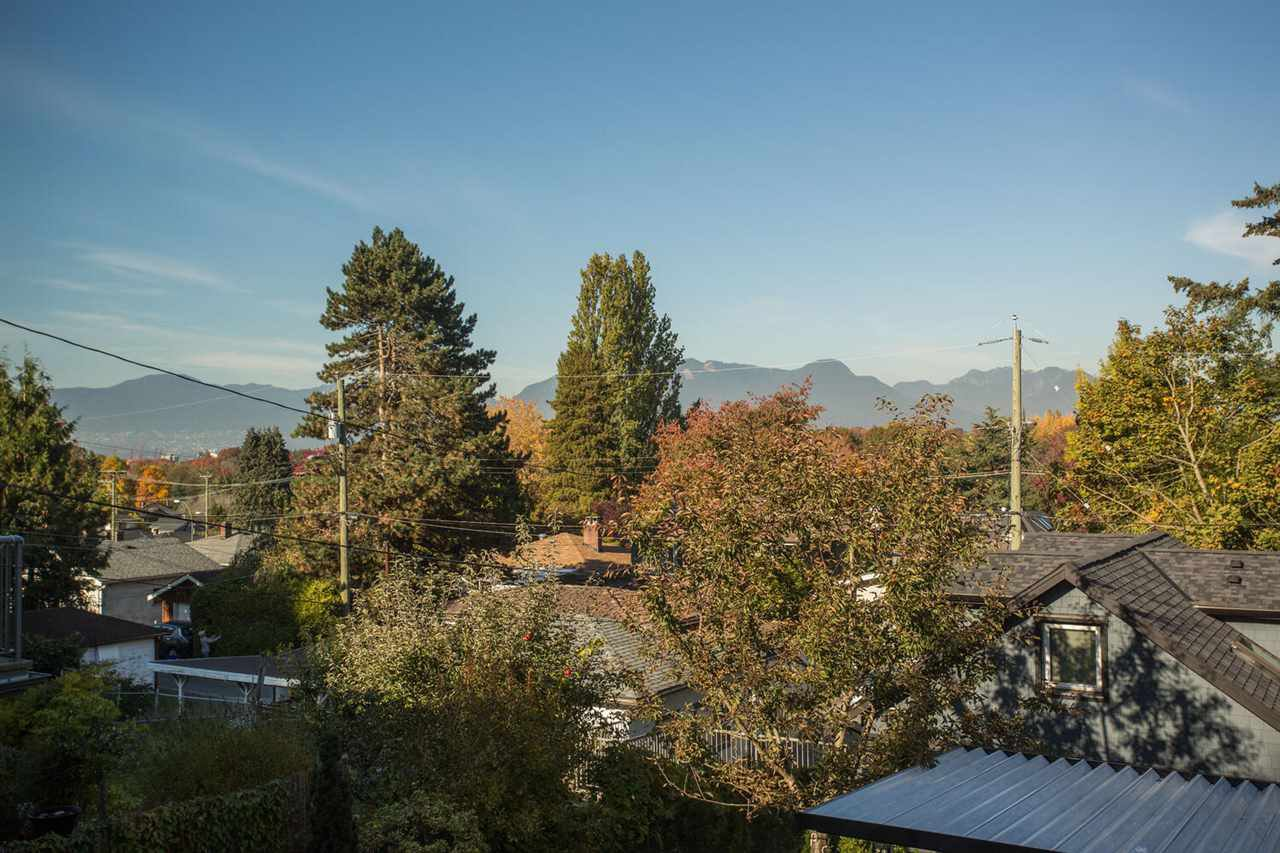 Photo 15: Photos: 2191 VANNESS Avenue in Vancouver: Grandview Woodland House for sale (Vancouver East)  : MLS®# R2505616