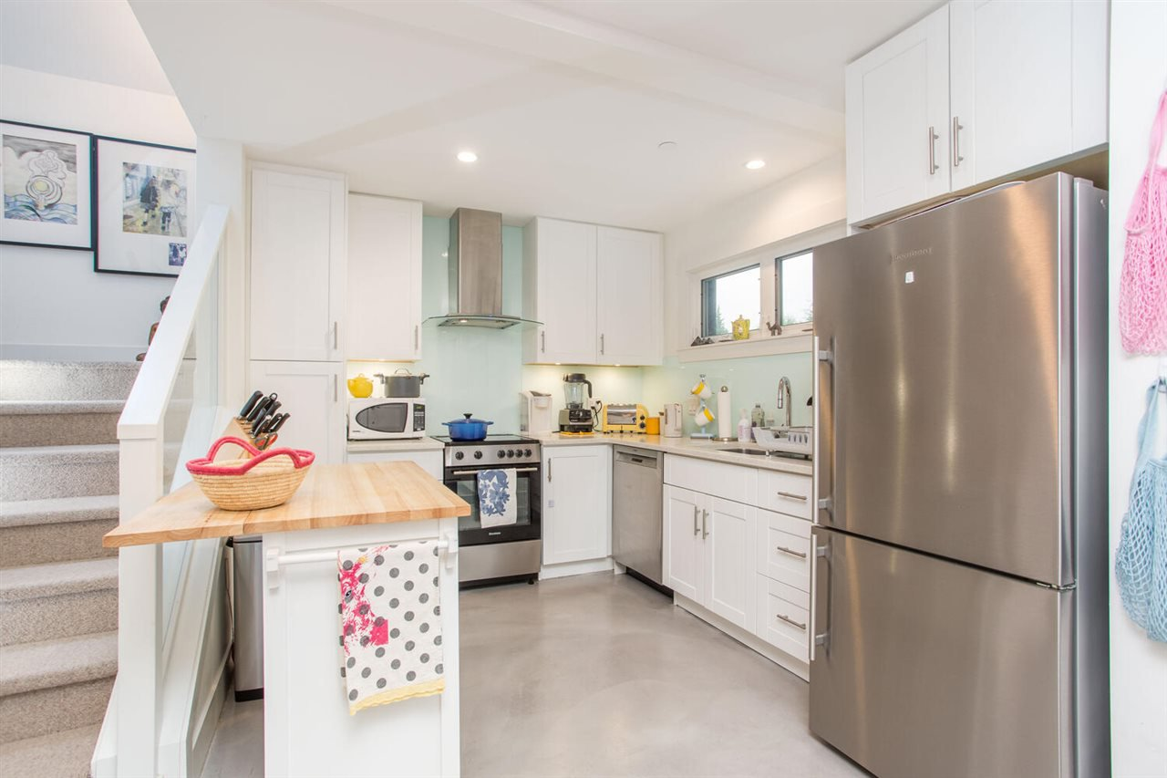 Photo 38: Photos: 2191 VANNESS Avenue in Vancouver: Grandview Woodland House for sale (Vancouver East)  : MLS®# R2505616