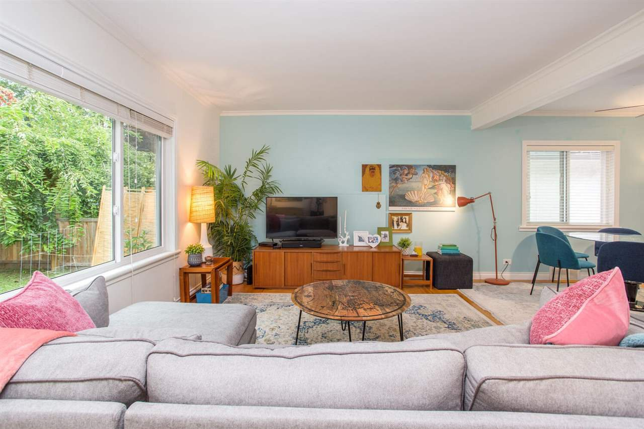 Photo 4: Photos: 2191 VANNESS Avenue in Vancouver: Grandview Woodland House for sale (Vancouver East)  : MLS®# R2505616