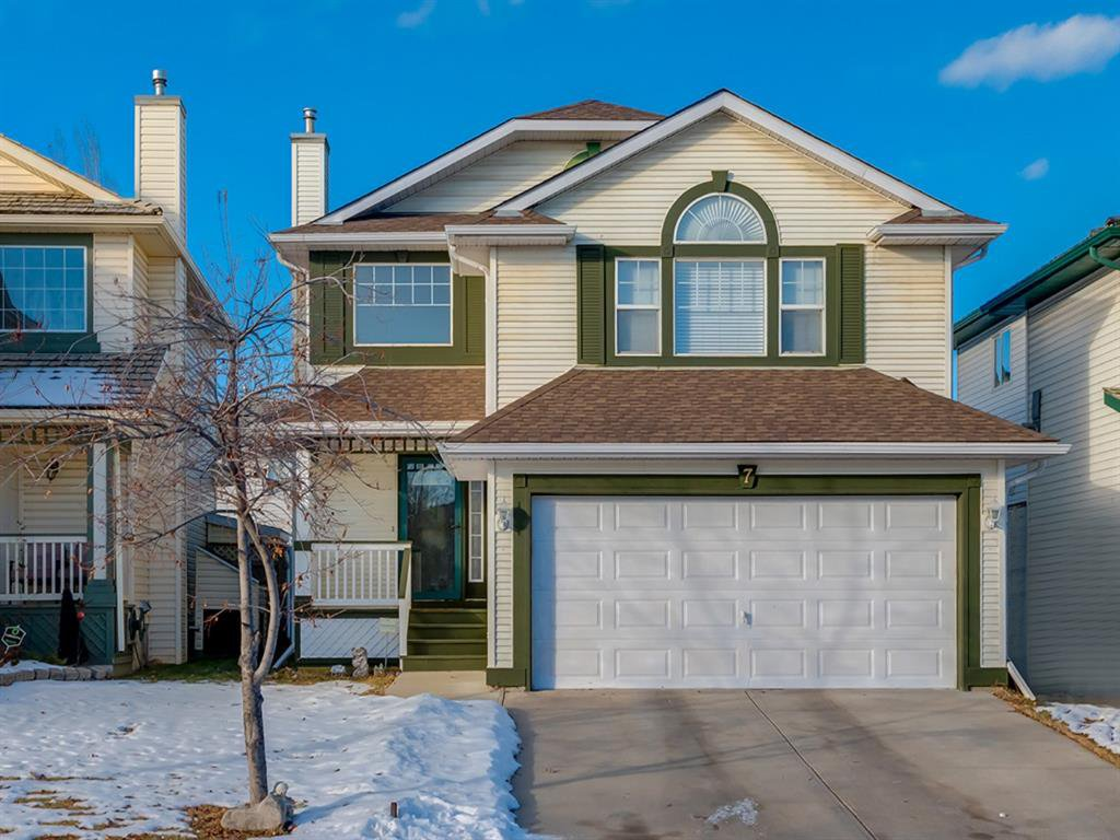 Main Photo: 7 Douglas Glen Common SE in Calgary: Douglasdale/Glen Detached for sale : MLS®# A1051766