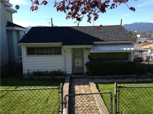 Main Photo: 3285 E 15TH AV in Vancouver: Renfrew Heights House for sale (Vancouver East)  : MLS®# V1010943