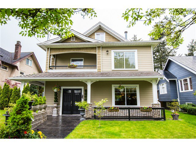 "Main Photo: 832 FOURTH Street in New Westminster: GlenBrooke North House for sale in ""GLENBROOKE"" : MLS®# V1063941"