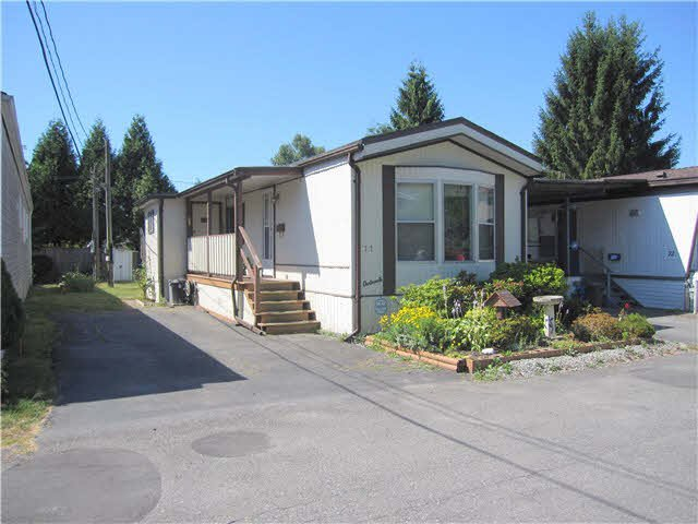 Main Photo: 71 21163 LOUGHEED Highway in Maple Ridge: Southwest Maple Ridge Manufactured Home for sale : MLS®# V1132237