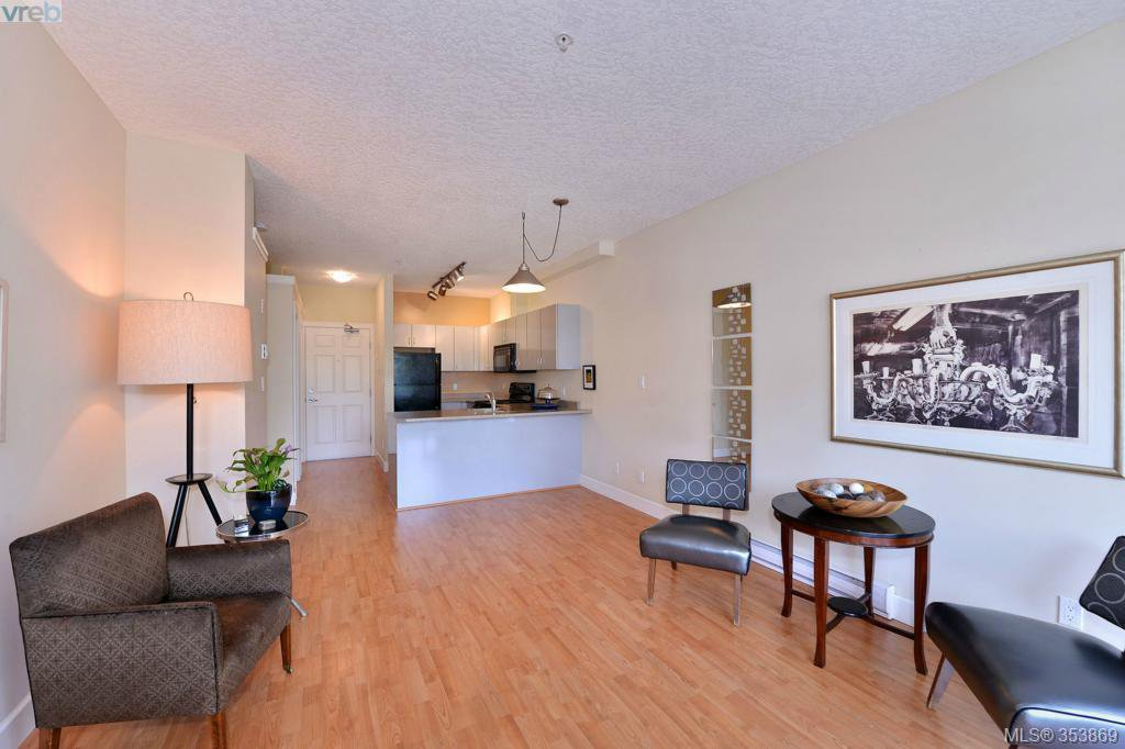 Main Photo: 303 76 W Gorge Rd in VICTORIA: SW Gorge Condo for sale (Saanich West)  : MLS®# 707456