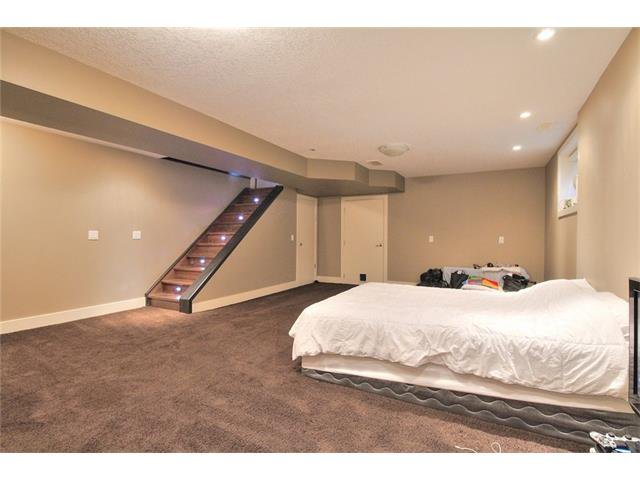 Photo 26: Photos: 248 EVERSYDE Circle SW in Calgary: Evergreen House for sale : MLS®# C4038688