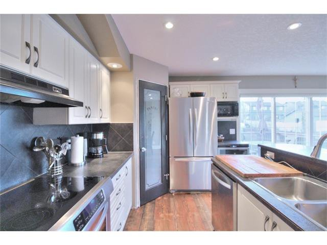 Photo 12: Photos: 248 EVERSYDE Circle SW in Calgary: Evergreen House for sale : MLS®# C4038688