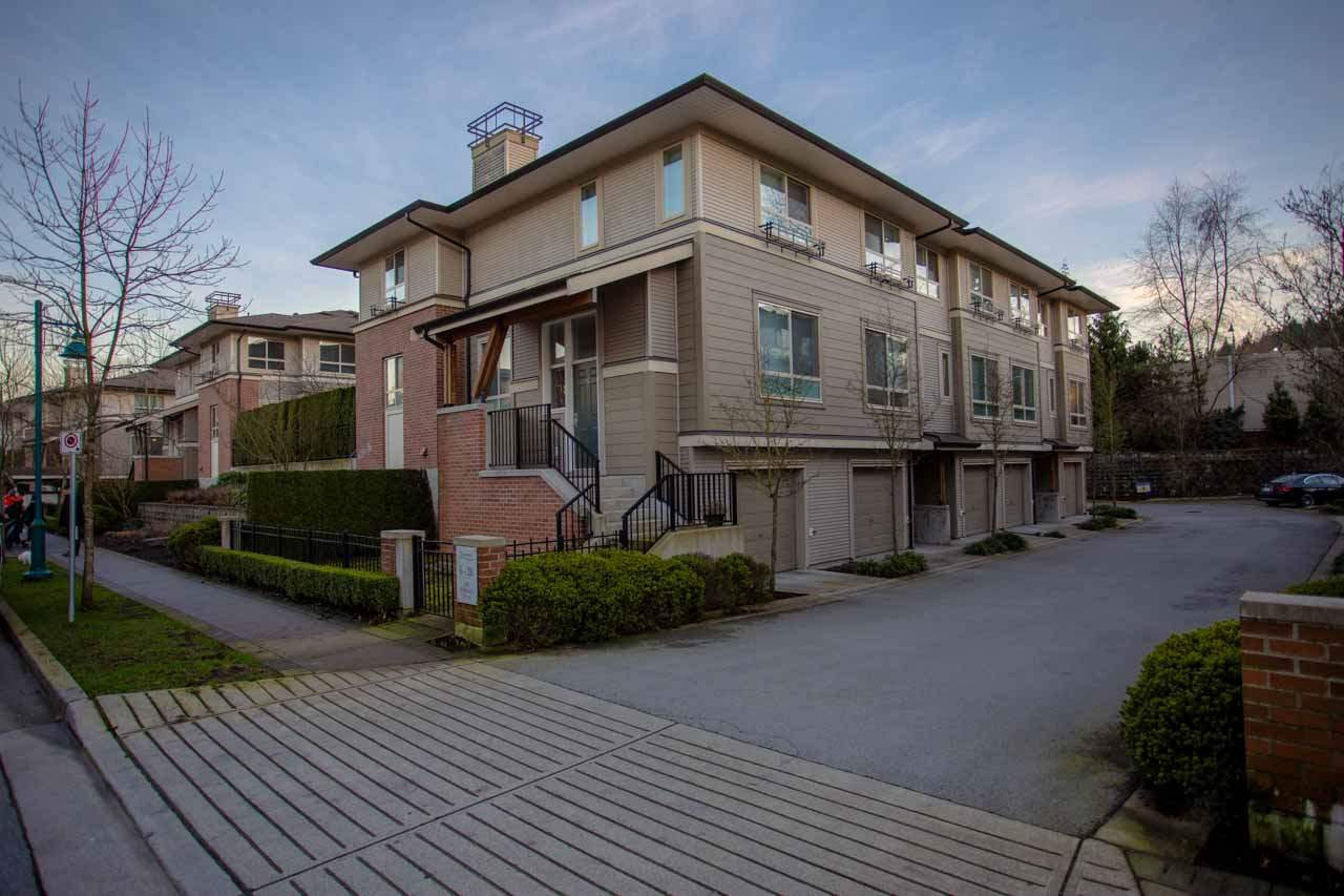 Main Photo: 20 301 KLAHANIE Drive in Port Moody: Port Moody Centre Townhouse for sale : MLS®# R2032725
