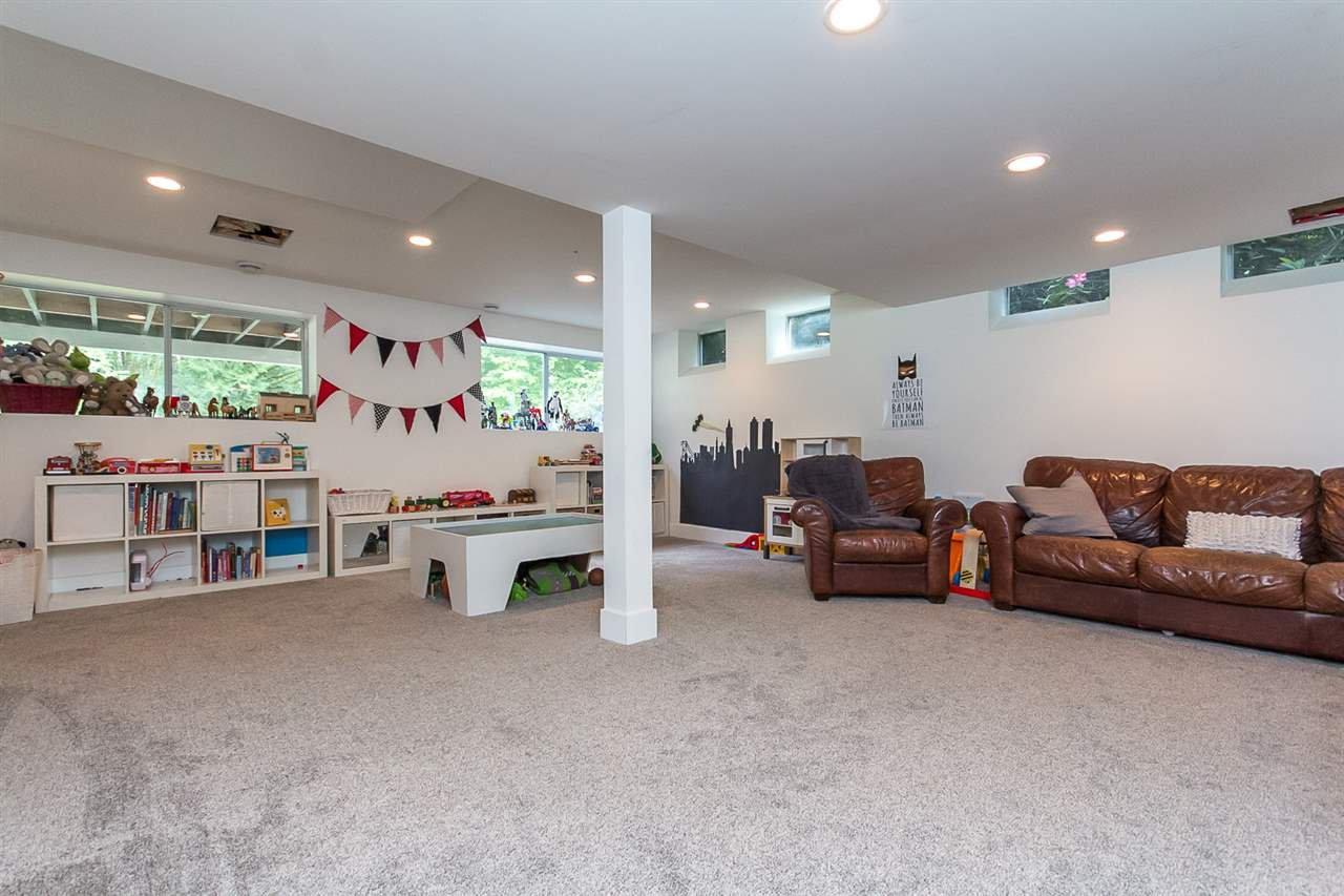 Photo 16: Photos: 29516 GALAHAD Street in Abbotsford: Bradner House for sale : MLS®# R2081977