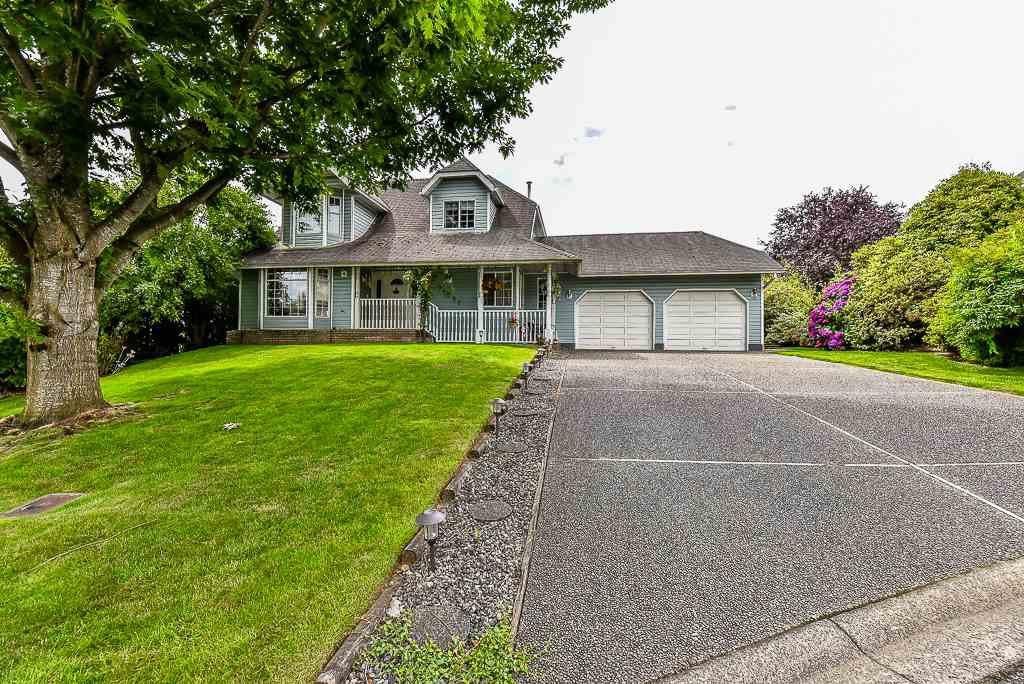 Main Photo: 34060 HIGGINSON Crescent in Abbotsford: Poplar House for sale : MLS®# R2083037