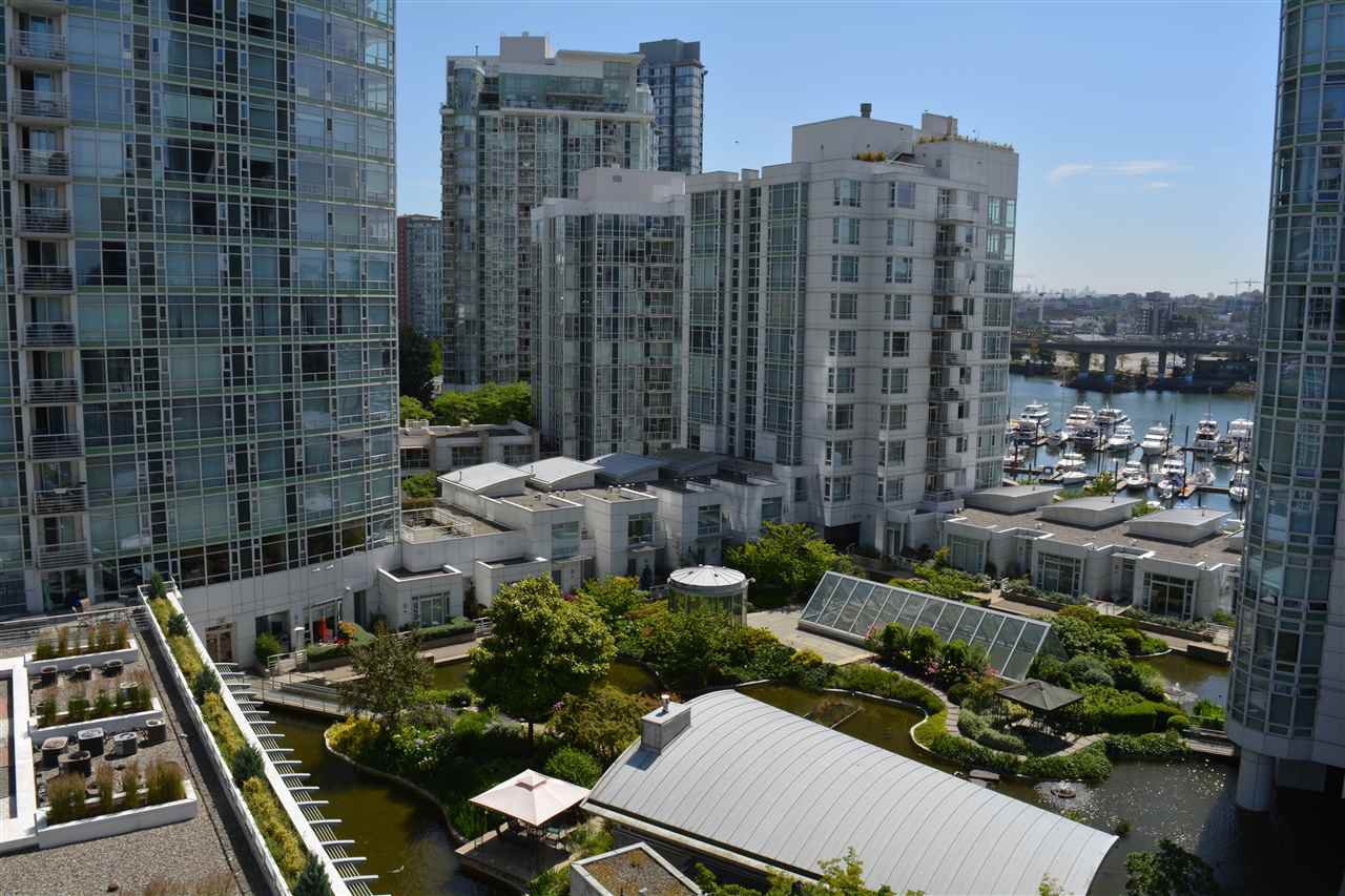 "Main Photo: 1005 189 DAVIE Street in Vancouver: Yaletown Condo for sale in ""Aquarius III"" (Vancouver West)  : MLS®# R2106888"