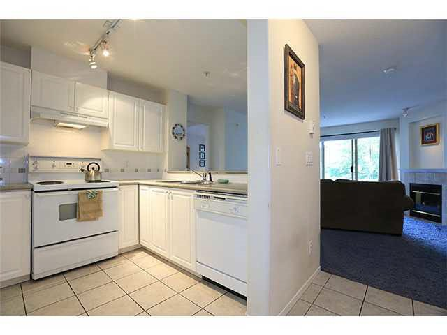 """Photo 3: Photos: 304 215 TWELFTH Street in New Westminster: Uptown NW Condo for sale in """"DISCOVERY REACH"""" : MLS®# R2118812"""