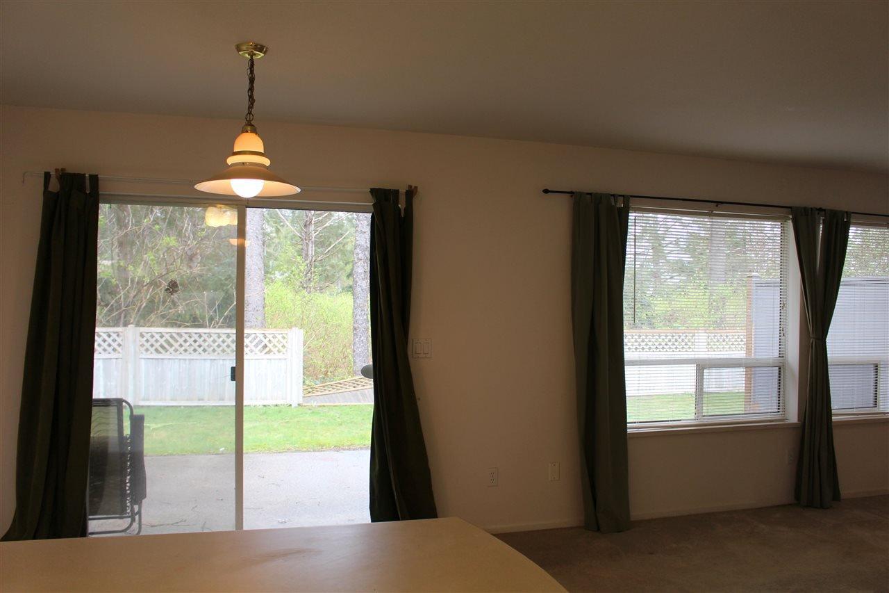"Photo 3: Photos: 5 5706 EBBTIDE Street in Sechelt: Sechelt District Townhouse for sale in ""EBBTIDE VILLAGE"" (Sunshine Coast)  : MLS®# R2155983"