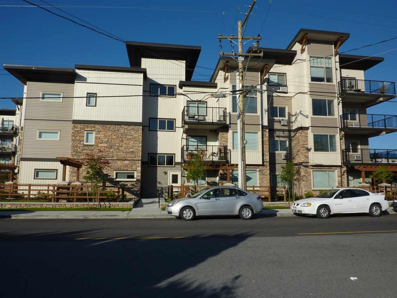 "Main Photo: 108 11935 BURNETT Street in Maple Ridge: East Central Condo for sale in ""KENSINGTON"" : MLS®# R2162043"