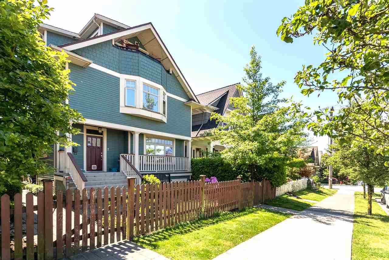 Main Photo: 1512 GRAVELEY Street in Vancouver: Grandview VE Townhouse for sale (Vancouver East)  : MLS®# R2171591