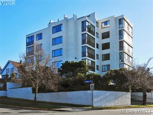 Main Photo: 201 1204 Fairfield Rd in VICTORIA: Vi Fairfield West Condo Apartment for sale (Victoria)  : MLS®# 760427