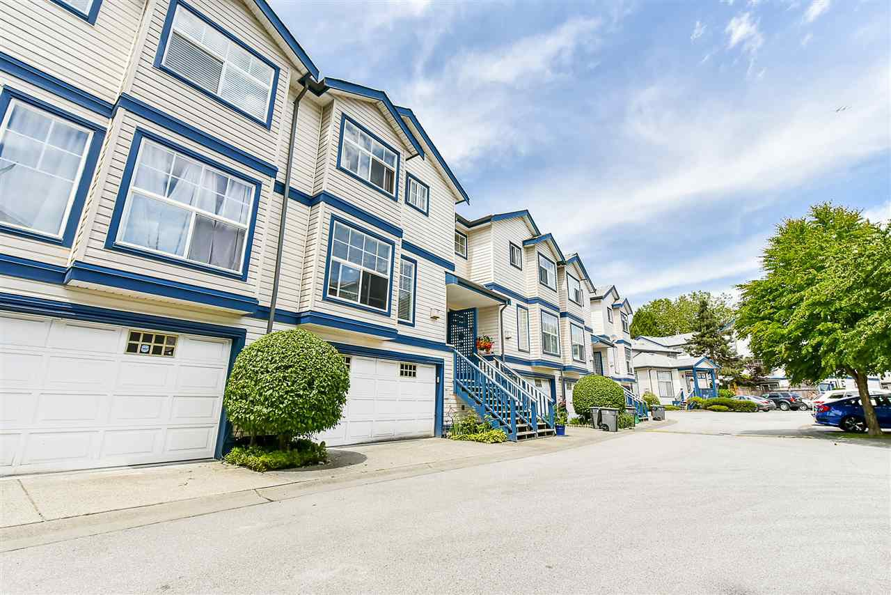"Main Photo: 604 9118 149 Street in Surrey: Bear Creek Green Timbers Townhouse for sale in ""WILDWOOD GLEN"" : MLS®# R2173489"